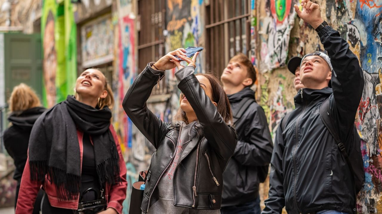 City rally Berlin through Prenzlauer Berg - including picture show and award ceremony - 17€ per student