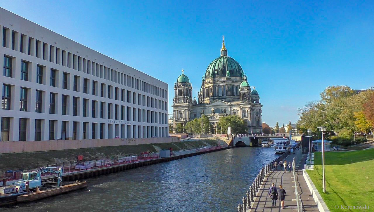Berlin from above, through 24 windows and much more - 90 € per person