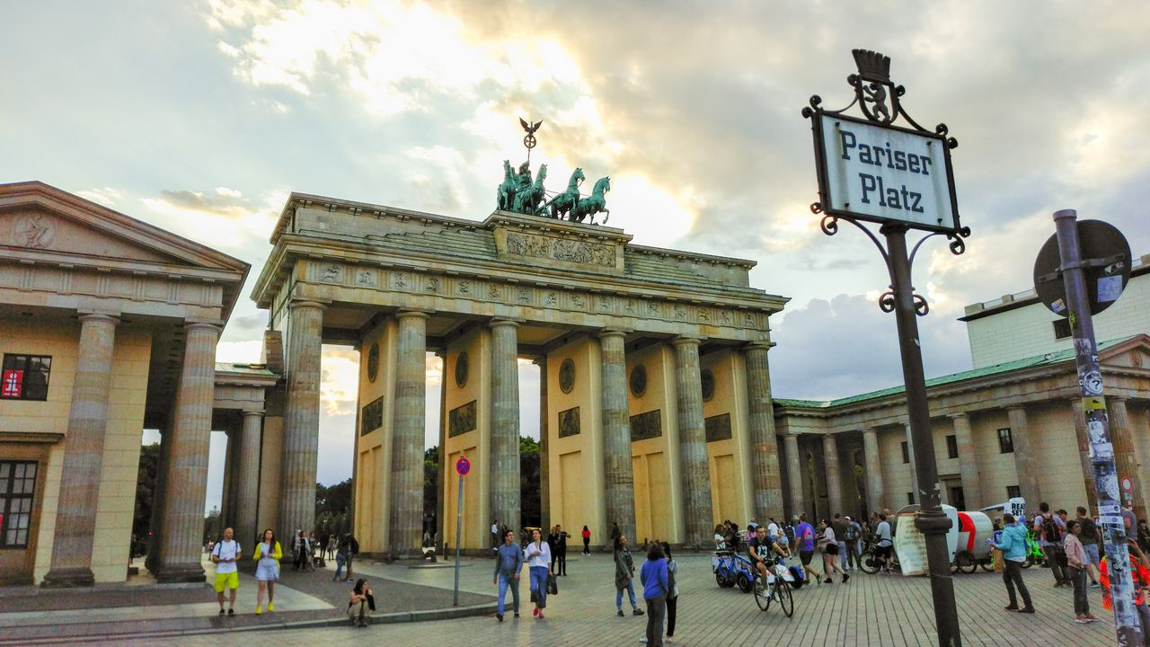 Streets Of Berlin City Tour For Groups